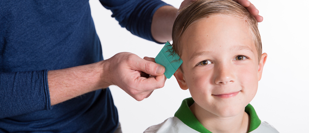 How to Use the Wet Combing Method to Remove Lice